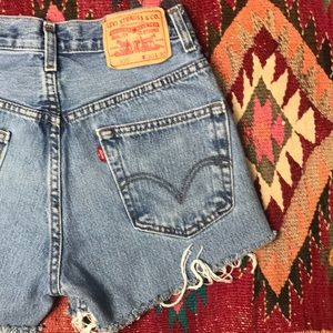 Cut Off High Waist Levi's 505 Mom Jean Shorts